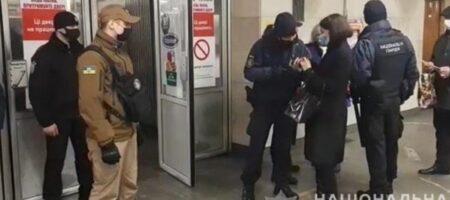 По Киеву ходят копы с громкоговорителями и требуют соблюдать карантин