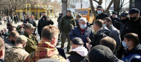 В Днепре ветерана АТО толпа избила и выгнала из маршрутки: побратимы Баркаса отомстили