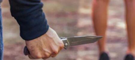 Неизвестный с ножом надругался над школьницей во время пробежки в лесу