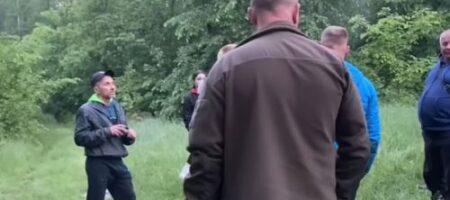 """""""Сидел возле болота, обнимая собаку и плакал"""", - в лесу Черкасчины нашли 6-летнего мальчика (ВИДЕО)"""