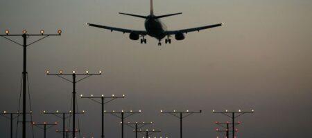 """Пассажир Ryanair раскрыл подробности принудительной посадки самолета с """"бомбой"""" в Минске"""