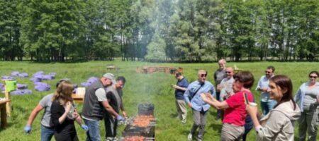 Зеленский пригласил украинских журналистов на пикник с шашлыками