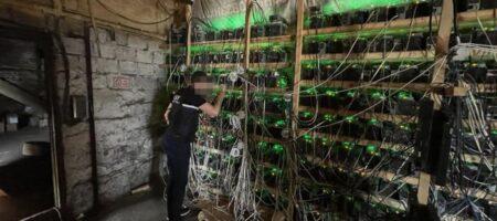 В Украине майнеры криптовалюты воровали электроэнергию (ФОТО)