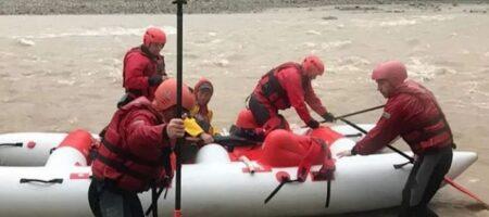12-летний мальчик подскользнулся и упал в воду: тело нашли за несколько километров