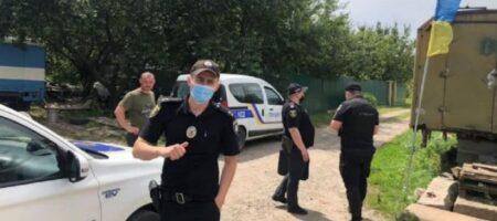 В Полтаве с могилы бойца ВСУ сорвали флаг Украины