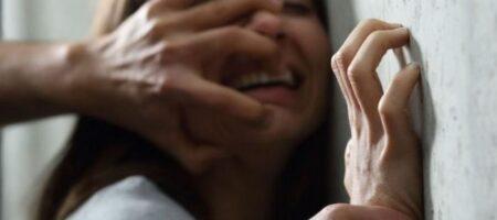 На Хмельнитчине мужчина изнасиловал 12-летнюю девочку