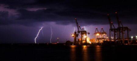 Сильный ливень затопил Кропивницкий (ВИДЕО)