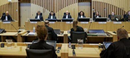 Дело МН17: Убитая горем мать принесла в суд прах сына