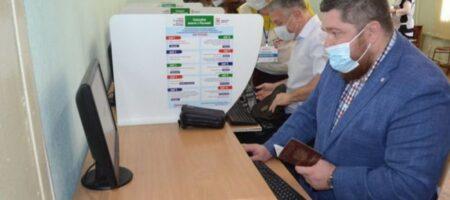 Жители оккупированного Донбасса голосуют на российских выборах