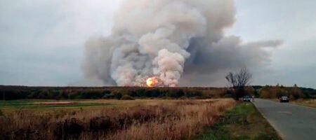 В Ясиноватой взрывается склад боеприпасов