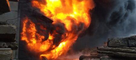 В Индонезии 40 человек погибли во время пожара в тюрьме