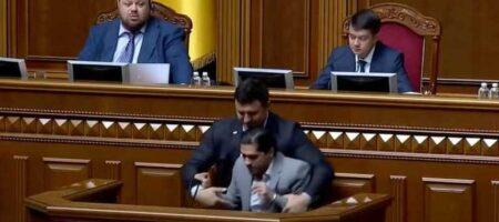 Тищенко могут выгнать из фракции «Слуги народа» из-за драки с Леросом