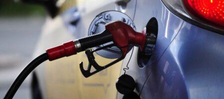 Бензин и дизтопливо резко подорожали на АЗС